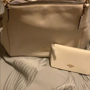 Coach purse with matching wallet in Im/Chalk NWT!!
